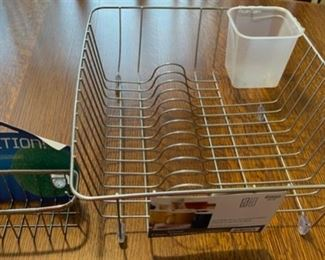$6.00.................New In Sink Dish Rack (B688)
