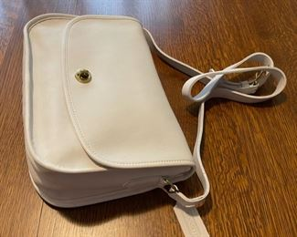 $50.00......................Coach Purse like new (B787)