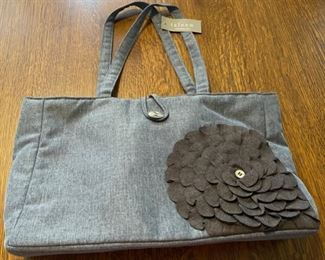 $16.00...................New Taleen Purse (B776)