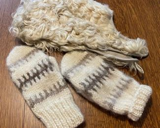 $25.00.....................Wool/Leather Hat and Wool Mittens (B769)