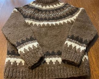 $45.00................Hand Knit Wool Sweater made in Scotland no size listed (B757)