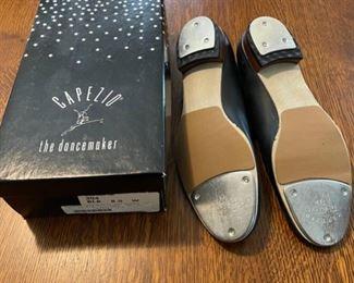 Capezio Tap Shoes size 8.5 W (B824)