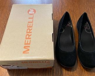$20.00...............Merrell Shoes size 9 (B827)