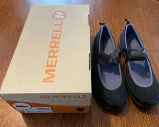 $20.00..................Merrell Shoes size 9.5 (B826)