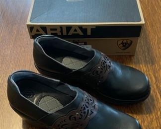 $20.00..................Ariat Shoes size 8.5 (B830)