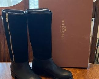 $100.00.....................Coach Boots Bailey Safir LTH/SHRING Black size 8.5 (B813)