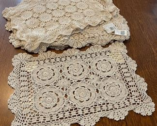 $20.00..........................10 Placemats (B802)