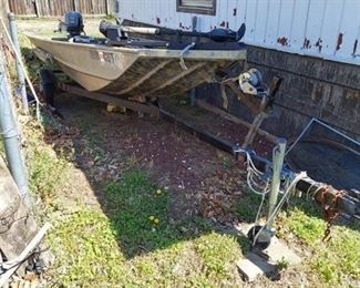 Aluminum Fishing Boat with Trailer - Includes Johnson 25HP Outboard Motor and Trolling Motor
