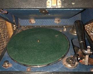 Vintage Crank Turntable NICE