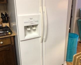 Nice refrigerator for sale!