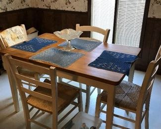 kitchen table that has a bench, too!!