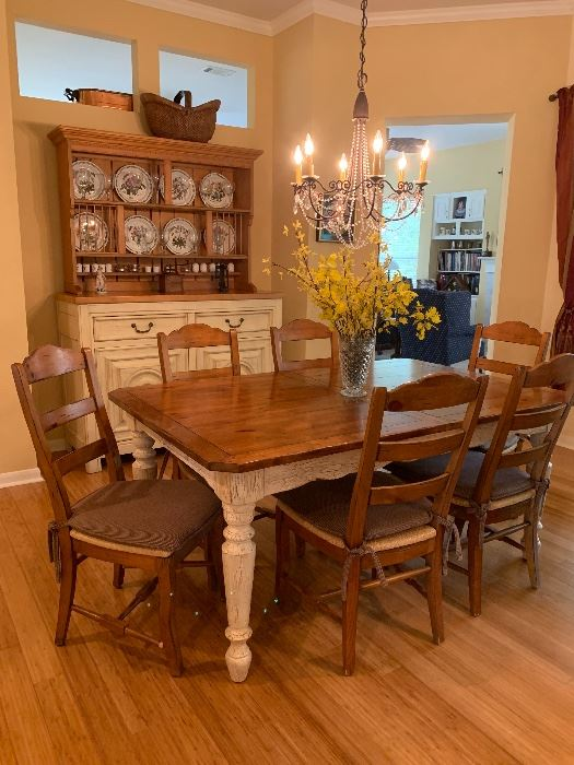 $1050~ OBO ~ ABSOLUTELY FABULOUS DREXEL TABLE AND SIX CHAIRS  AND TWO LEAVES