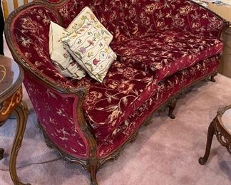 Beautiful couches and chairs 1n A+ condition