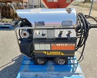 Landa Cleaning Systems Power Washer
