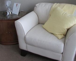Daytons leather chair (perfect condition) oh of course we have an ottoman