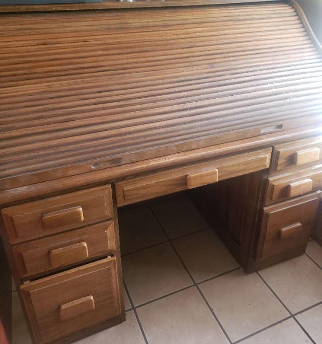 Beautiful Roll Top Desk