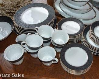 MIKASA China Dinnerware Set