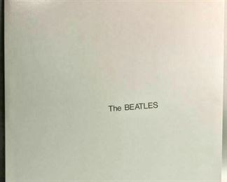 "https://www.ebay.com/itm/124680457455	BM0127D THE BEATLES ""WHITE ALBUM"" MFSL 2-072 USA WITH ORIGINAL INNER SLEEVES	Auction"