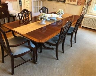 Baker dining table with 2 leaves and 6 chairs (Shield-back design)