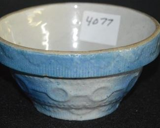 4077 - Blue & White