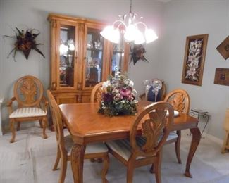 Gorgeous Dining Table with 1 Leaf, 4 Side Chairs, 2 Captain's Chairs