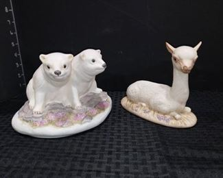 Kaymar No 88 Polar Bear Cubs with No 31 Juv Llama Figurines