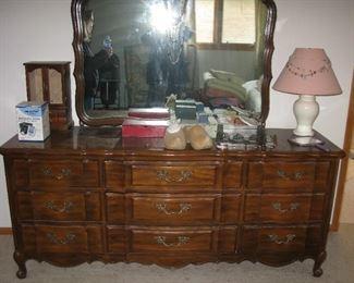Thomasville dresser with mirror  BUY IT NOW $ 225.00