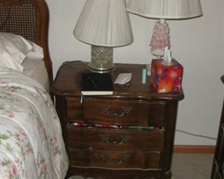 Thomasville night stand   BUY IT NOW $ 55.0