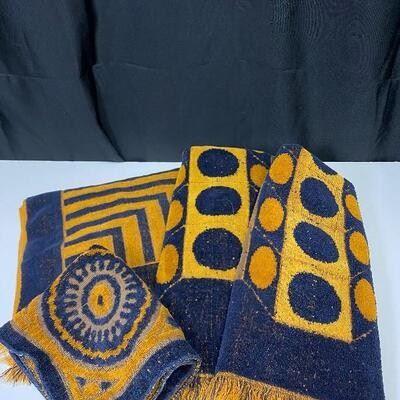 Retro Fieldcrest Towels