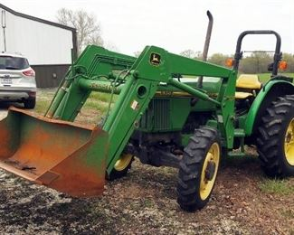 1996 John Deere 5200 Diesel Utility Tractor With 520 5' Bucket, Front Wheel Assist, Hours Showing 979.3, PIN LV5200E421670, Includes Manuals