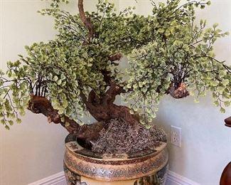 Huge Chinese jarfinere w/ming tree
