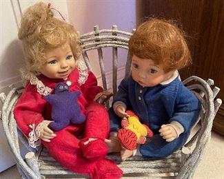 Dolls, branch bench