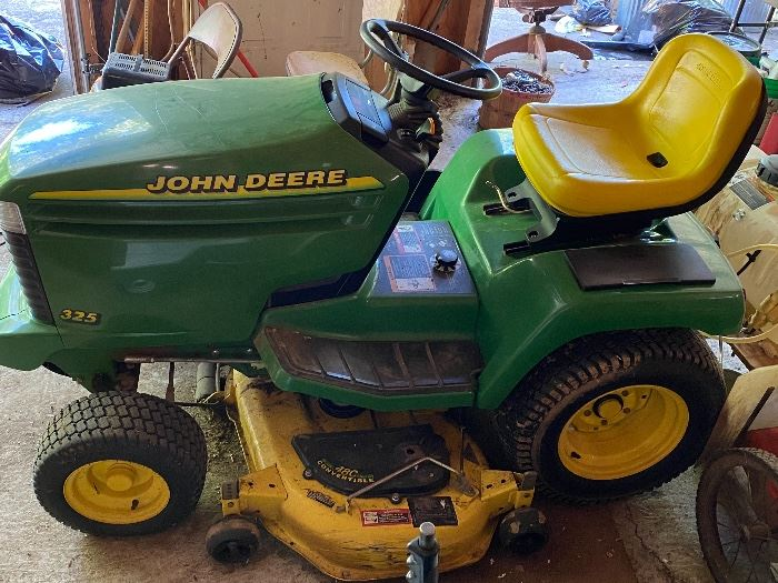 "John Deere Lawn Tractor 325   48"" Deck"