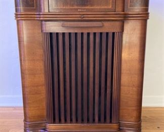 Deco-Style Philco-Radio Cabinet Shell (no insides)