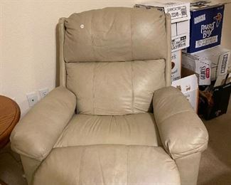 oh so comfortable leather recliner
