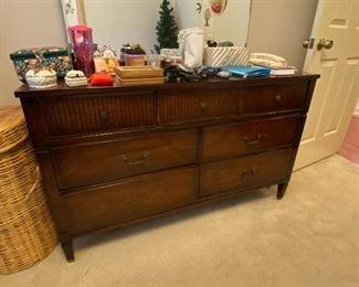 Hooker E. Mainline Mid-century Dresser