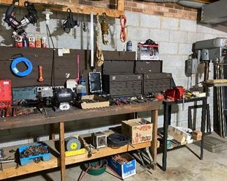 Machinist Tool Boxes/Bench Grinder/Small Bench Vise