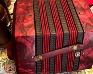 Antique Accordion BIN $50 https://share.hsforms.com/1S31RYHZpTWy0z_PaXy8lIQbojrf
