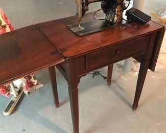 Antique Singer Sewing Machine BIN $100  https://share.hsforms.com/1S31RYHZpTWy0z_PaXy8lIQbojrf