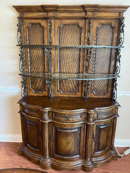 Gorgeous Solid Wood Buffet / Server in like New condition.  Displays so beautifully!
