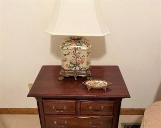 Kinkaid night stand/end table