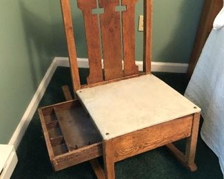 Antique sewing rocker w/notions drawer!