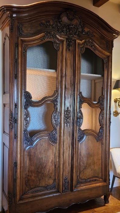 Fine 18th Century French 10ft tall display cabinet