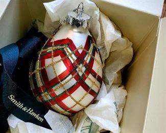 Smith & Hawken,  Christmas Ornament
