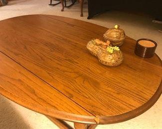Drop leaf oak coffee table