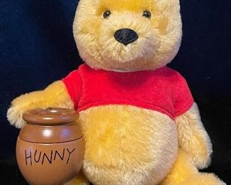 """$1000.00 Winnie the Pooh with honey pot D23 expo EAN 683671 8.5"""" Mohair  LE 12/123 With box and COA"""