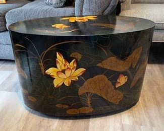 Lily pattern table