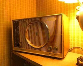 Vintage Zenith radio plays