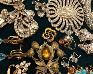 gorgeous large antique & vintage brooches, 10K gold circle pin, etc.