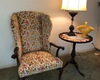 vintage wing back arm chair with awesome vintage chenille floral fabric, round side table & lamp